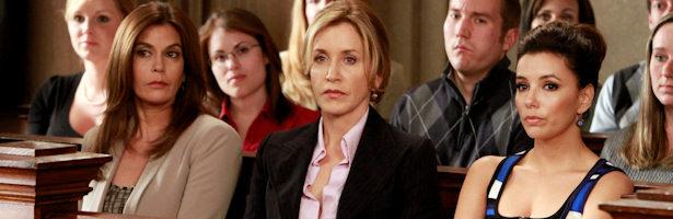Susan, Lynette y Gaby apoyan a Bree en su juicio.