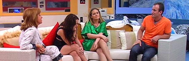 Sergio, Sindia y sus madres se han reencontrado en 'La Re-Vuelta'.