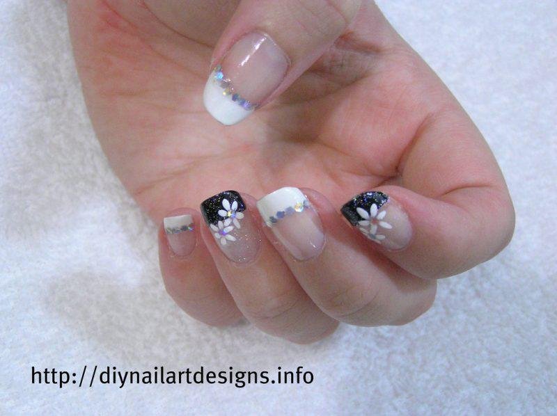 French manicure con adesivi