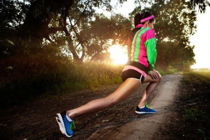 Cómo estirar antes de correr: estiramientos dinámicos ...