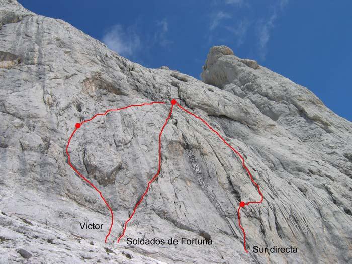 Inicio das vías Víctor, Soldados de Fortuna e Directa de los Martínez. Fonte: http://www.foropicos.net/viewtopic.php?t=13380 e tamén en http://bulnesland.blogspot.com.es/2008/09/invicto-y-laureado-1997.html