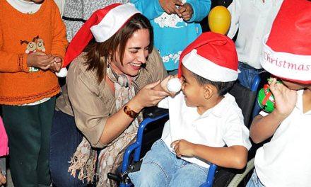 Invita DIF Tuxpan a apadrinar a un niño en esta navidad