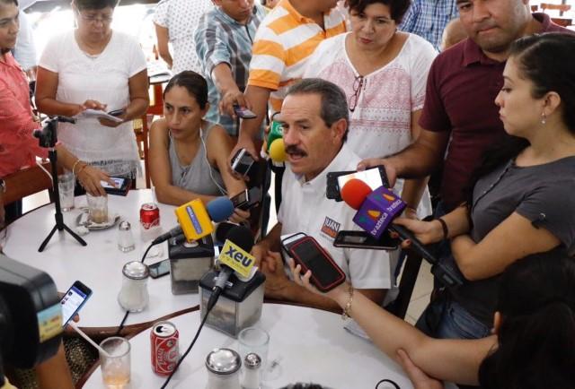 Un voto por la candidatura Independiente, es un voto a la salud: Juan Bueno Torio