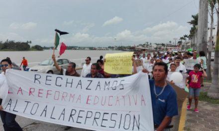 """Tuxpeños marcha """"Por la Justicia y la Paz"""""""