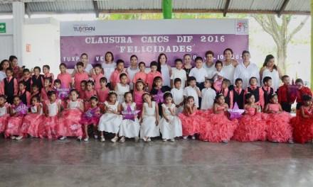 Finalizan su educación preescolar 55 niñas y niños de los CAIC DIF Tuxpan