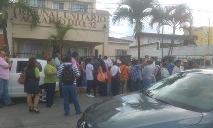 Ejidatarios se manifestaron frente al Tribunal Agrario