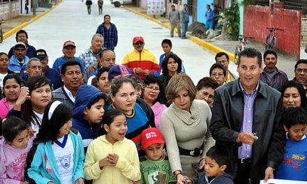 Inaugura ASR 2 mil 700 metros cuadrados de una nueva pavimentación en Tuxpan