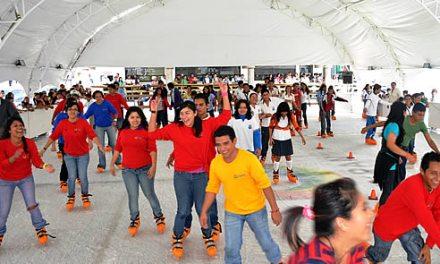 Inauguran pista de hielo en Tuxpan