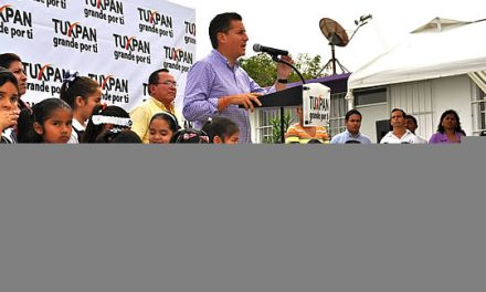 Con mejores espacios educativos, Tuxpan saldra adelante: ASR