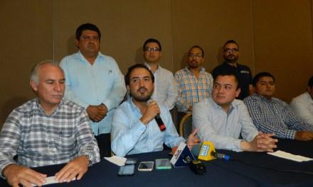 Fernando Yunes Márquez se reune con panistas del III Distrito