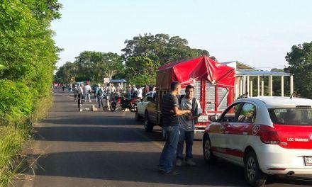 Campesinos Bloquean la Tuxpan-Tamiahua