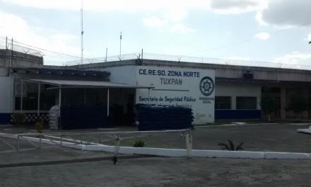 Integrantes del Colectivo Solecito acudieron al Cereso de Tuxpan en busca de sus familiares