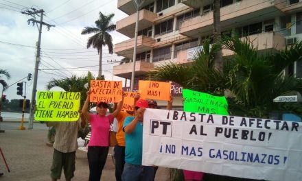 Escasa participación de ciudadanos a marcha convocada por el PT en contra del Gasolinazo