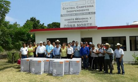 CCI entrega apoyos a productores de Tuxpan