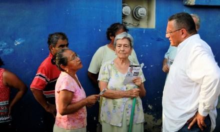 Gobierno incluyente para servir bien a Tuxpan, propone Everardo Gustin