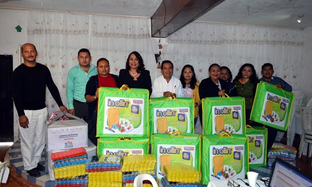 Alcaldesa Citlali Medellín entrega apoyos para el sector educativo