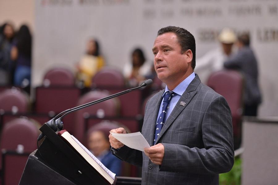 Este 1 de Febrero de registra Arturo Esquitín como Pre candidato a Diputado Federal