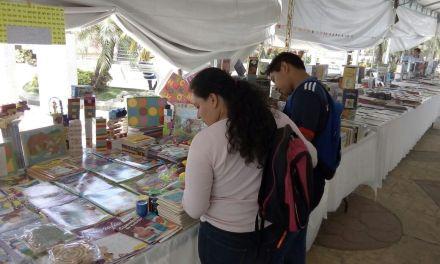 Instalan Feria del Libro