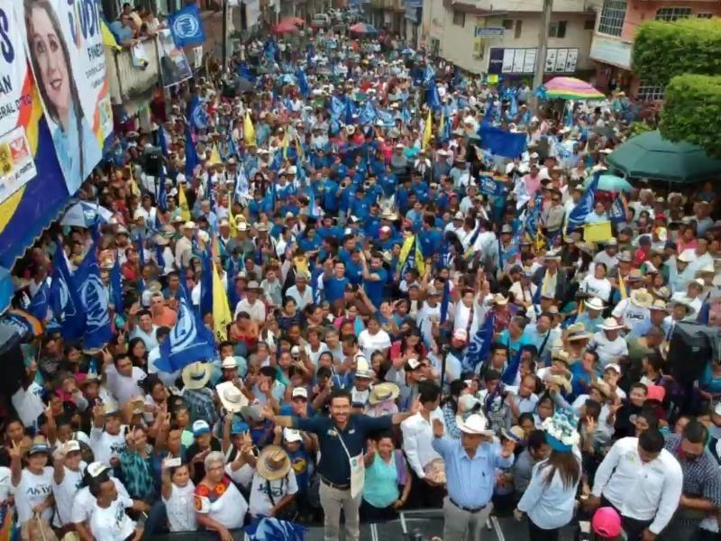 Firma Miguel Ángel Yunes Márquez sus compromisos con pueblos Indígenas