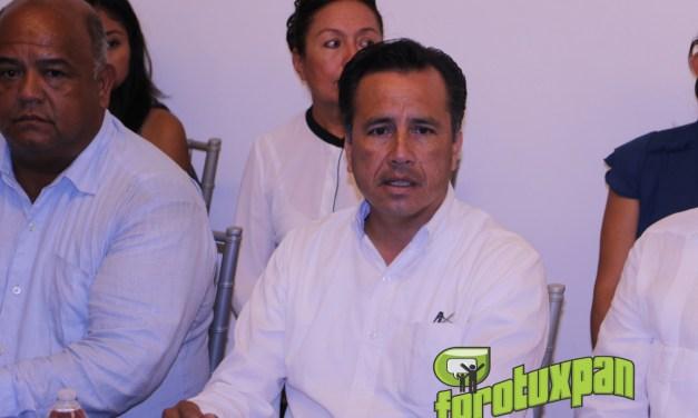 CUITLÁHUAC GARCÍA SE REÚNE CON EMPRESARIOS EN TUXPAN