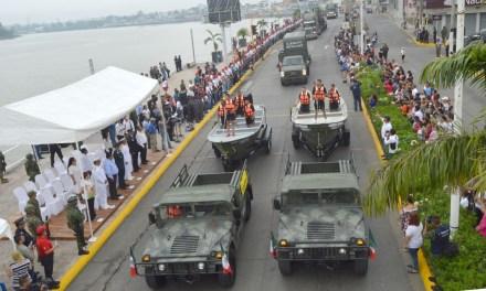 Gran desfile cívico-militar con más de 2 mil 700 participantes
