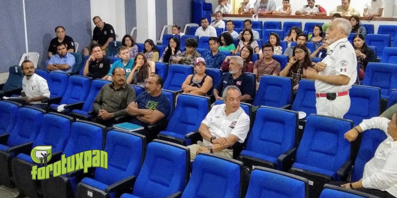 Clausuran con gran éxito primer foro de buceo y conservación de arrecifes