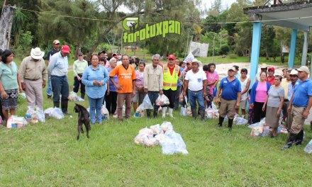 Llevan ayuda a la comunidad Tumilco, que estaba incomunicada
