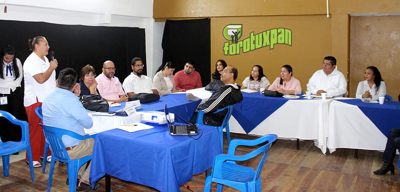 Toño Aguilar comprometido con las escuelas para su desarrollo
