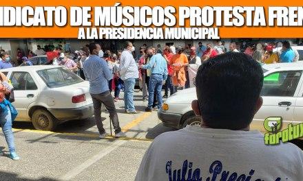 SINDICATO DE MÚSICOS Y SONIDEROS PROTESTARON FRENTE A PRESIDENCIA