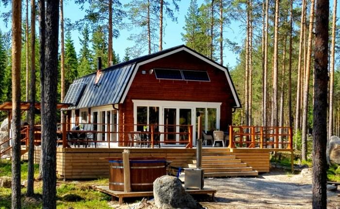 Boka er semester mitt i Hälsinglands skog