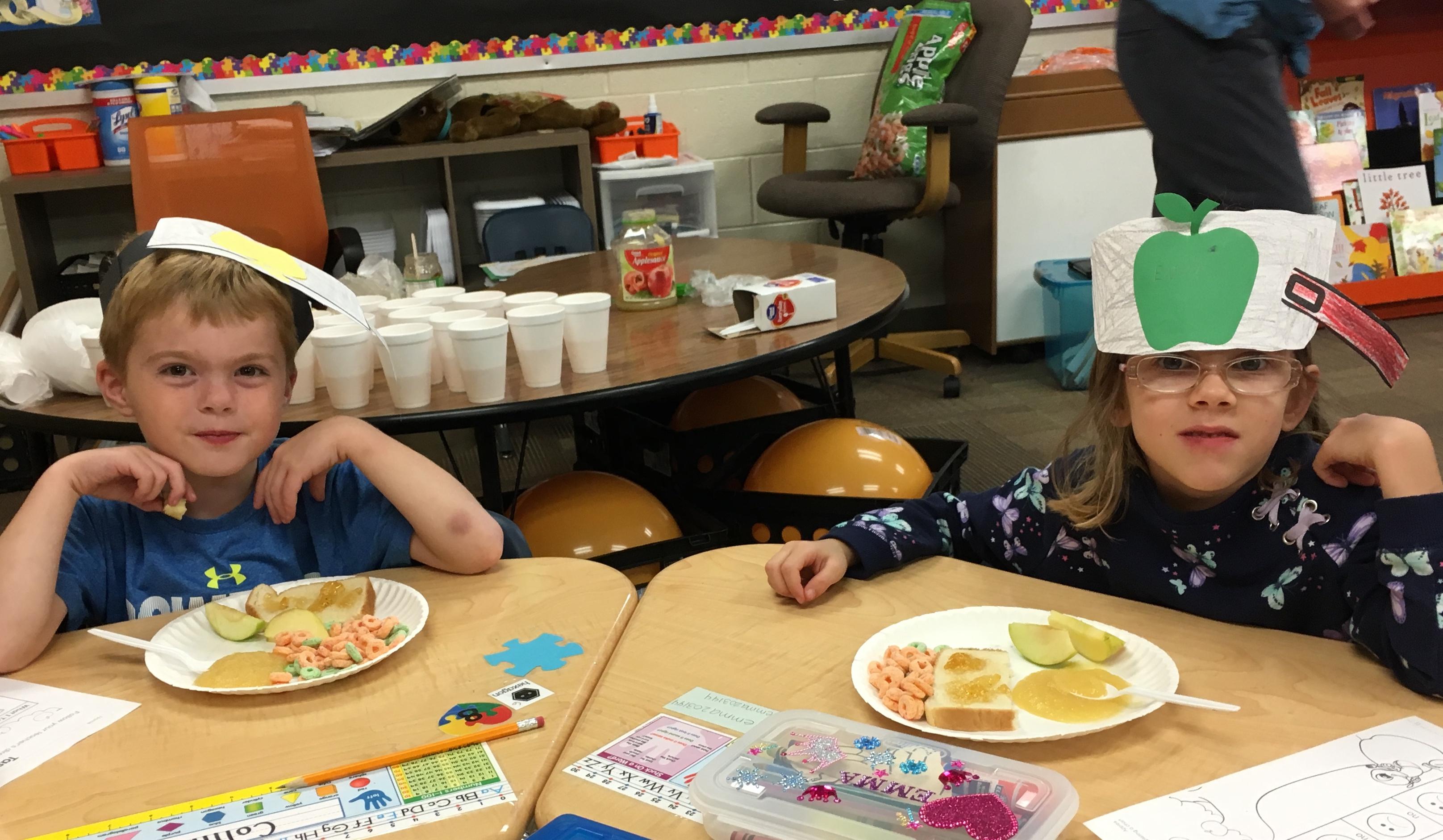 Kindergarten Celebrates Johnny Appleseed