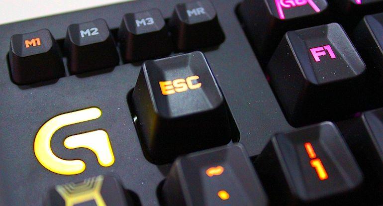 Logitech G910 Keyboard-05
