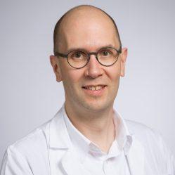 Aurelius Omlin, Dr med., privat-docent, médecin spécialiste en oncologie, chef de clinique mbF, Clinique d'oncologie médicale et d'hématologie de l'Hôpital cantonal de Saint-Gall