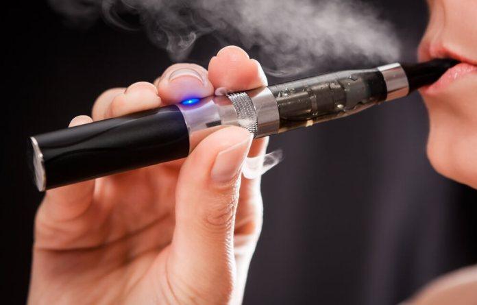 В Нью-Йорке планируют ввести запрет на электронные сигареты на работе и в барах