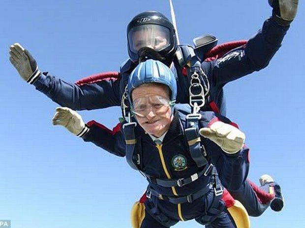 04-worlds-oldest-skydiver