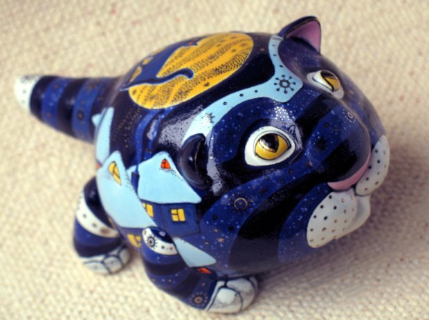 porcelain-and-ceramic-painted-cats-01