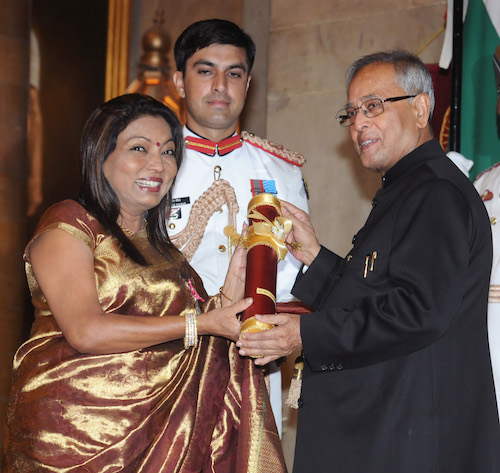 The President, Shri Pranab Mukherjee presenting the Padma Shri Award to Smt. Kalpana Saroj, at an Investiture Ceremony-II, at Rashtrapati Bhavan, in New Delhi on April 20, 2013.