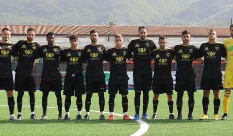La società Rotonda calcio comunica di aver sollevato dall'incarico di responsabile della prima squadra il tecnico Alfonso Pepe.