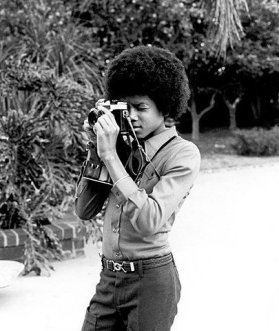 michael-jackson-with-an-slr