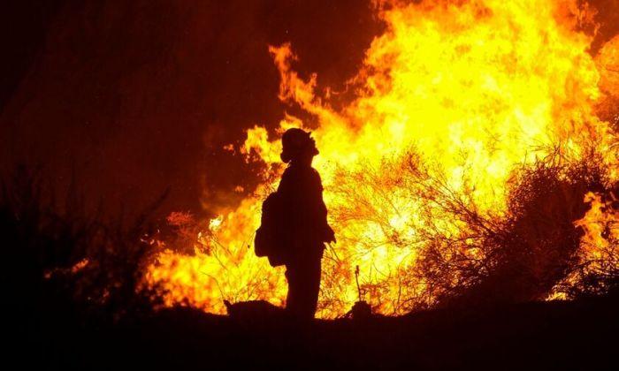 Φωτιά στην Εύβοια: Ολονύχτια.. κόλαση - Δύο νέες εστίες, εκκενώνονται  τέσσερα χωριά - Fosonline