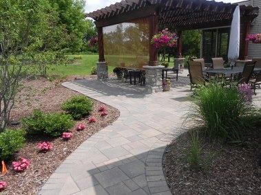 main-gallery-lawn-backyard