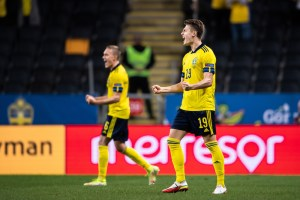 Sverige Grekland live stream gratis? Streama VM-kval match live idag!