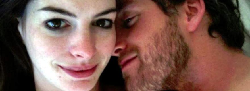 Se filtran fotos de Anne Hathaway desnuda junto a su marido