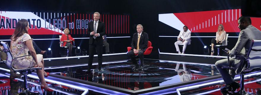 """Así fue el comentado debut de """"Candidato, llegó tu hora"""" en TVN"""