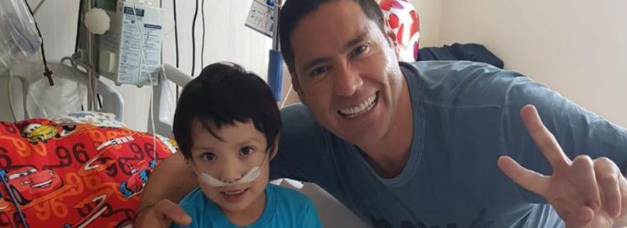 """""""Somos tan egoístas"""": La dura crítica de Francisco Saavedra tras la muerte de Iván, el niño que esperaba un trasplante"""