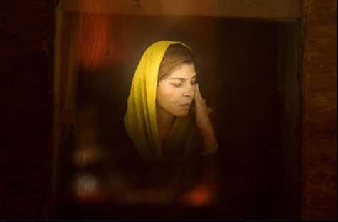 Afghan Woman © Lana Slezic
