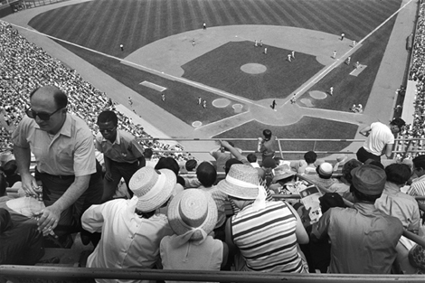 Shea Stadium, New York, 1970 Copyright Tod Papageorge, Courtesy Pace/MacGill Gallery, New York