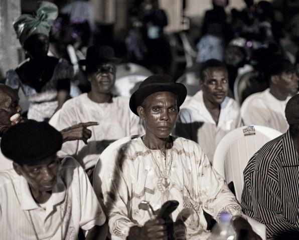 Nigeria, Benikrukru, 23 May 2010 Commemoration of the 2009 JTF (Joint Task Forces) attacks. Nigeria, Benikrukru, 23 mai 2010 Commémoration des attaques de la JTF (Joint Task Forces) en 2009. Christian Lutz / Agence VU / Grand Prix de la Photographie de Vevey 2010