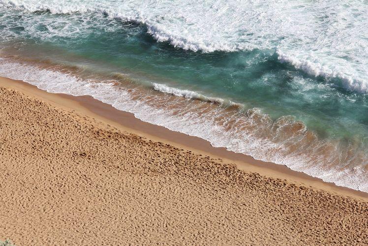 這個世界是充滿線條的,如這張相片便把海浪的線候對角線地擺放,讓相片加添活力。