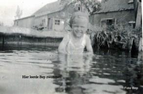 032-Bep leerd zwemmen